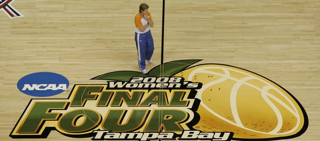 Tennessee coach Pat Summitt watches practice for the NCAA Women's Final Four basketball game Saturday, April 4, 2008, in Tampa, Fla.