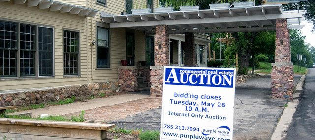 The Amanna Elan Hotel In Tonganoxie Was Sold An Internet Auction On Tuesday