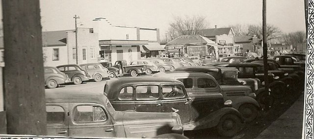 De Soto became a boom town after it was announced in March 1942 that the Sunflower Ordnance Works would be built south of the town. Traffic on the town's main street, which was Kansas Highway 10 at the time, was said to be bumper-to-bumper for two hours at shift changes at the plant.