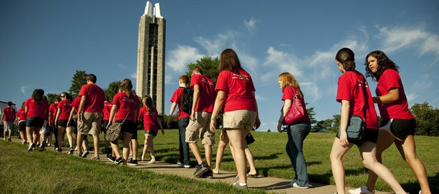 "Incoming Kansas University freshmen make their way toward the Campanile during the 14th-annual ""Walk Up the Hill"" Monday, Aug. 16, 2010."