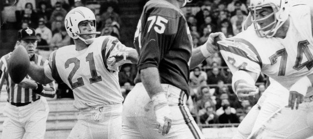 Former Kansas University star John Hadl unleashes a pass as a member of the San Diego Chargers.