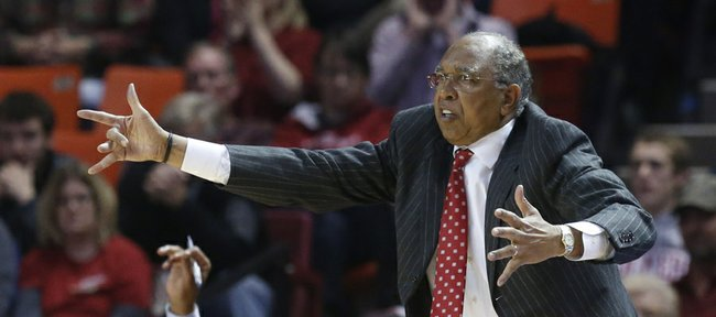 Expressive Texas Tech coach Tubby Smith — seen here directing the Red Raiders in a 68-60 victory at Oklahoma on Feb. 12 in Norman, Okla. — will lead the up-and-coming Raiders against Kansas University tonight in Lubbock, Texas.