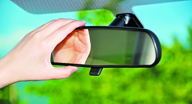 fix  chick reattach  rearview mirror ljworldcom
