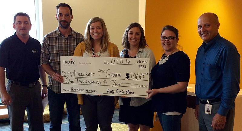 Hillcrest Elementary School Teachers Receive Teamwork Award