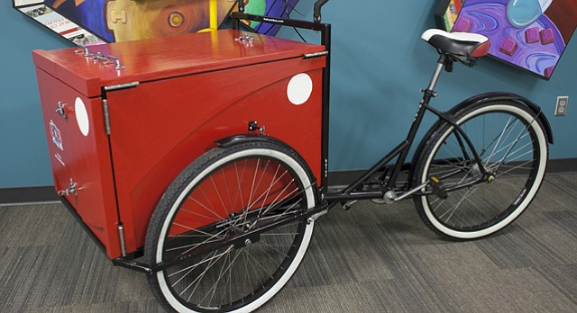 Lawrence Public Library rolls out new book bike / LJWorld.com