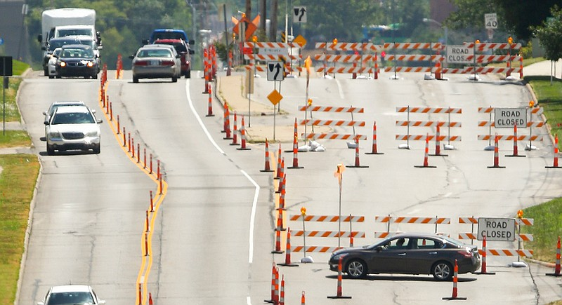 Construction Traffic Control : Multimillion dollar bob billings parkway traffic control