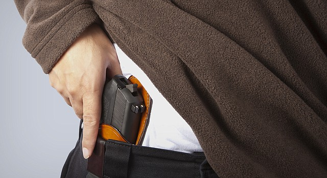 Loophole could allow 18-year-olds to carry concealed guns in ...