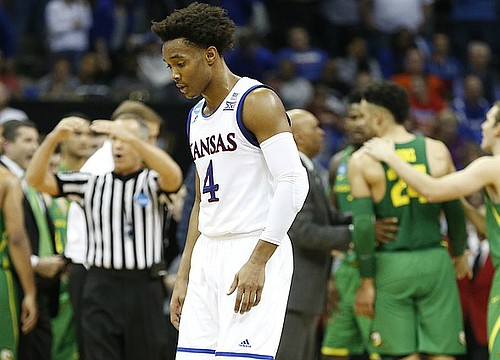 Bitter end: Shots don't fall, Jayhawks dropped in Elite Eight against Oregon