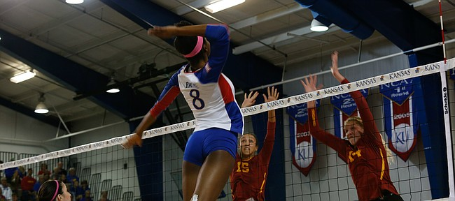 Senior right side hitter Kelsie Payne (8) gets ready to spike the ball on Sept. 27, 2017 at Horejsi Family Athletics Center. Kansas beat Iowa State 3-2.