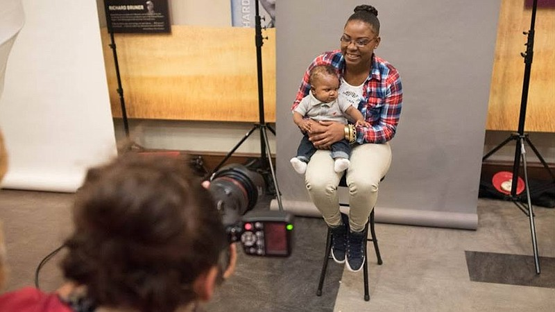 Saturday's Help Portrait photo session to provide free portraits to families in need