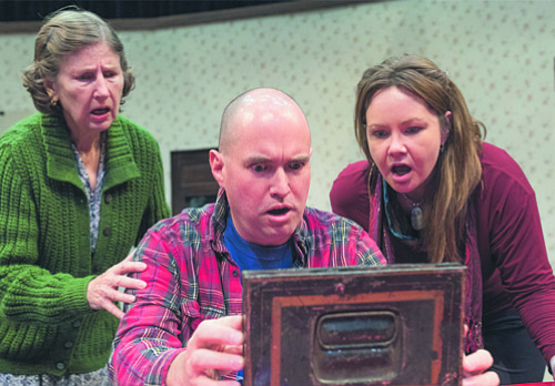 """Theatre Lawrence brings a relatable clan to life in """"Miracle on South Division Street"""""""
