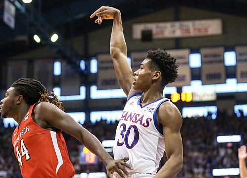 How the deeper 3-point line impacted Kansas basketball during the 2019-20 season