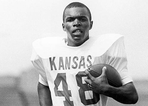Hall of Famer, former KU football star Gale Sayers dies at 77