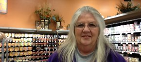 Photo of Elaine Bell