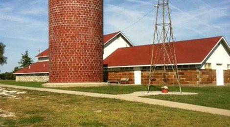 Fairchild-Knox Dairy Barn