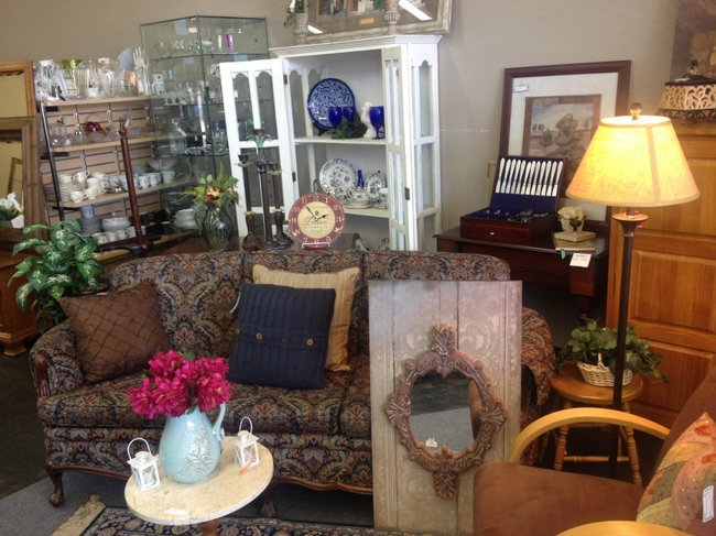 Enhance Your Home L I Home Goods Gently Used Consignment Furniture And Home D Cor