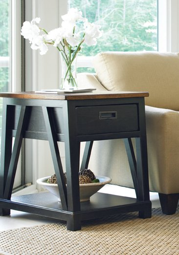Great Rooms End Table