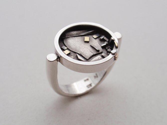 Ring (JCR2)