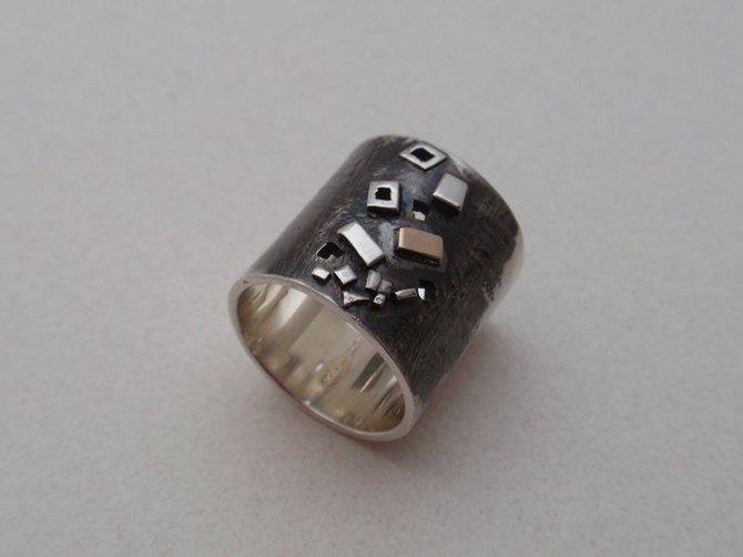 Ring (JCR1)
