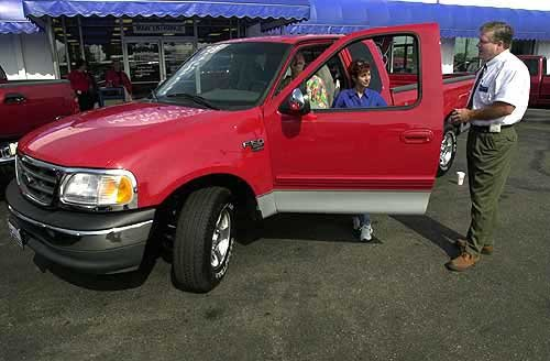 Photo Tim And Annette Krawchuk Take Home Their New Ford