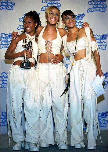 Left Eye In Casket The band tlc, left to right,