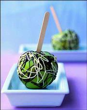A seasonal dessert, Jackson Pollock Candied Apples, is named for the artist's famously paint-splattered works. The apples make great Halloween treats, combining green Granny Smith apples drizzled with sweet white and dark bittersweet chocolate.