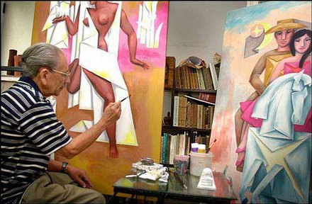 Adigio Benitez at work in his studio
