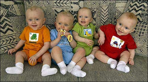 Photo The Tetrick Quadruplets Two Sets Of Identical
