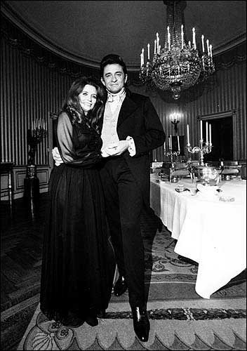 Young Johnny Cash And Vivian Photos for May 16, 200...