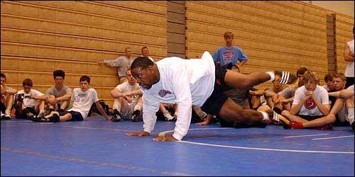 Wrestling1_t640.jpg?a6ea3ebd4438a44b86d2