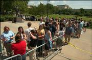 "A long line stretched in front of Allen Fieldhouse before the doors opened.<br> <a href=""http://etc.lawrence.com/galleries/clinton/2755_lores.html"" target=""_new"" onclick= ""window.open(&squot;http://etc.lawrence.com/galleries/clinton/2755_lores.html&squot;,&squot;Photo&squot;,&squot;height=450,width=450,screenX=10,screenY=10,&squot; + &squot;scrollbars,resizable&squot;); return false;""> <img src=""http://www.ljworld.com/art/icons/icon_photo.gif"" border= ""0"" alt=""photo""> Photo gallery: Clinton delivers Dole Lecture</a><br>"