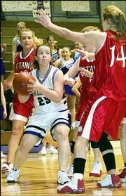 Baldwin's Ellie Meinen (25) looks for a shot against Ottawa at BHS.