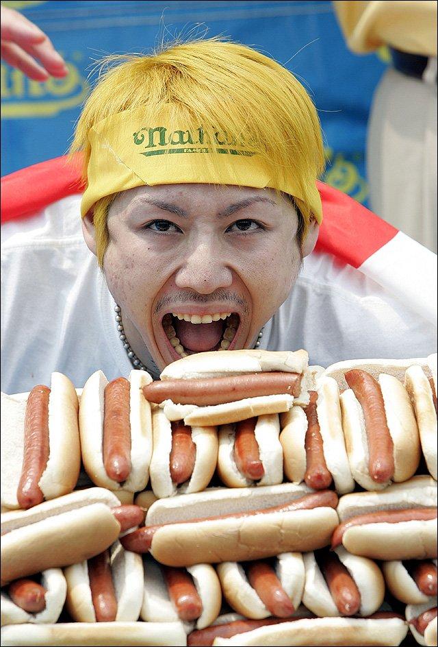 Competitive eating kobayashi