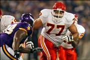 Kansas City Chiefs tackle Willie Roaf blocks against the Minnesota Vikings in the 2005 preseason. Roaf said Friday that he would retire.