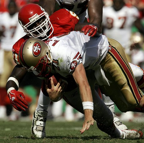 Kansas city s tamba hali background sacks san francisco quarterback
