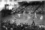 To make a point, Phog Allen once set up12-foot goals in old Robinson Gym, where KU practiced, but they were never used in Hoch Auditorium where this game is being played.