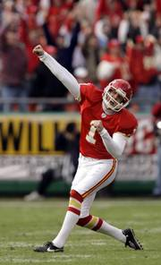 Kansas City kicker Lawrence Tynes celebrates after kicking a 53-yard field goal to defeat San Diego.