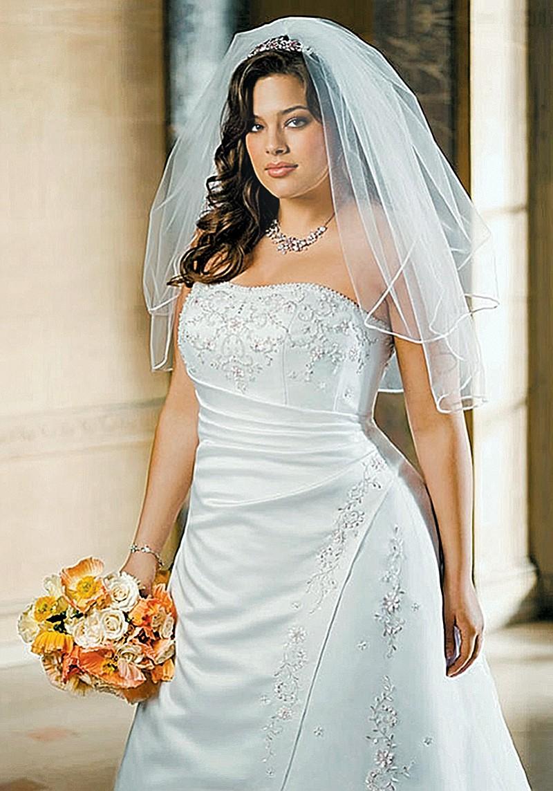 Photo Plus Size Availability David 39 S Bridal Style V8820