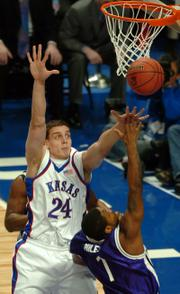 Today's Kansas-Kentucky meeting could provide an intriguing game-within-the-game between big men Sasha Kaun, defending against Niagara's Lorenzo Miles, and UK's Randolph Morris. The last time the storied programs met, Kaun's Jayhawks claimed a 73-46 victory, but Morris didn't play in that game.