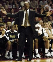 Missouri coach Mike Anderson reacts to a call. Arkansas upended Missouri, 94-91, Wednesday in Fayetteville, Ark. Anderson spent 17 seasons as an assistant at Arkansas.