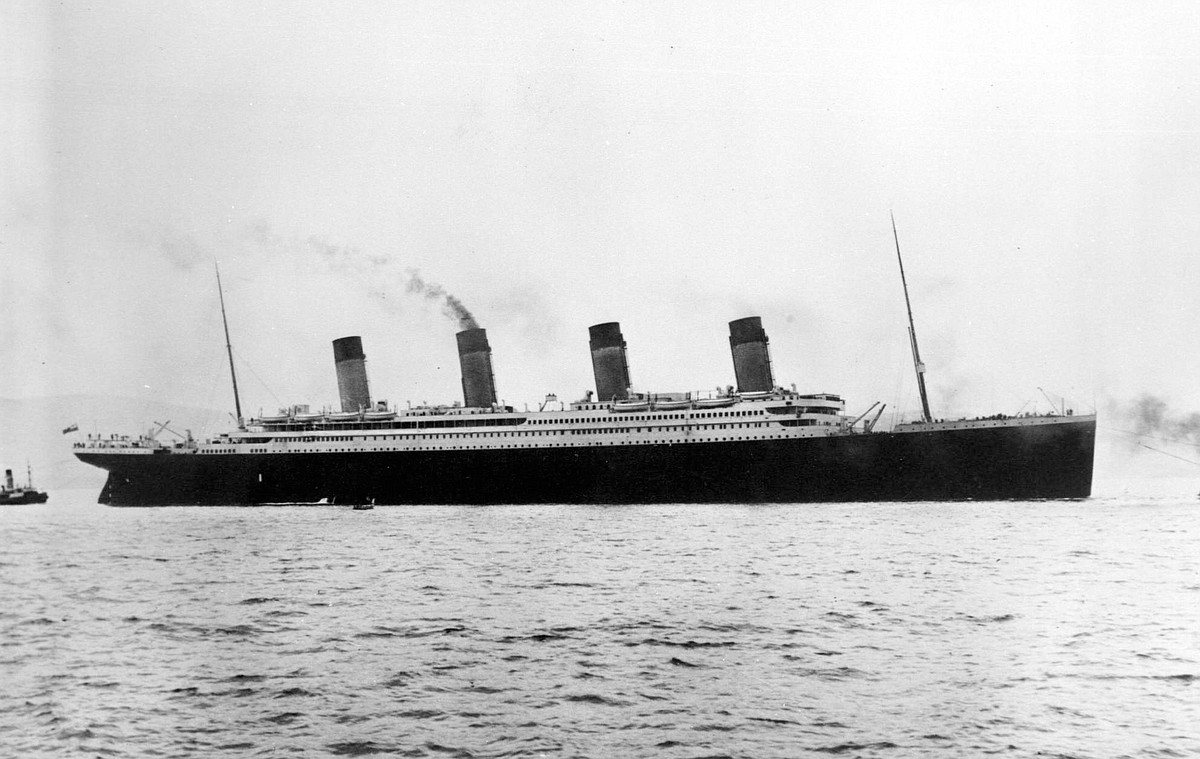 "the unsinkable ship titanic essay An unknown titanic crew member is reported to have once said to embarking passenger, mrs sylvia caldwell, ""god himself could not sink this ship."
