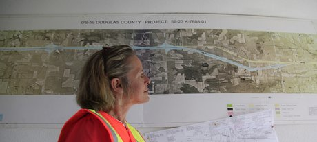 59 highway making a safer road ljworld kimberly qualls public affairs manager for kdot looks over a blueprint of the on going construction on us 59 highway between ottawa and lawrence malvernweather Choice Image