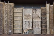 Part of the Summerfield Collection of Renaissance and Early Modern books located in the north gallery at The Kenneth Spencer Research Library.