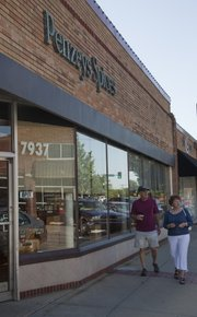The storefront of Penzeys Spices in downtown Overland Park.