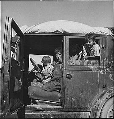 Family Traveling During the Great Depression. Library of Congress.