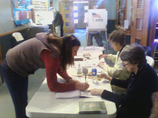 Alesia Woszidlo votes at Southside Church of Christ.