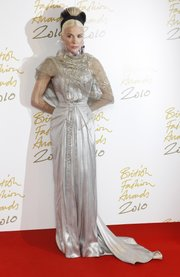 Heiress Daphne Guinness arrives for the British Fashion Awards at a central London hotel on Dec. 7, 2010.