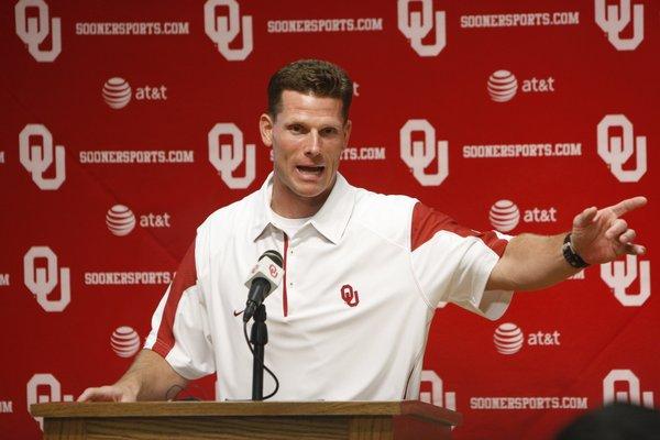 Oklahoma defensive coordinator Brent Venables.