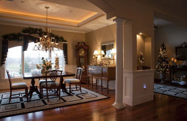 Photo stylish staging outfitted trish van vilet 39 s formal for Small formal dining room