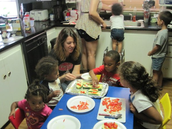 During this visit the kids used zucchini from the garden for their Zucchini Boat recipe.